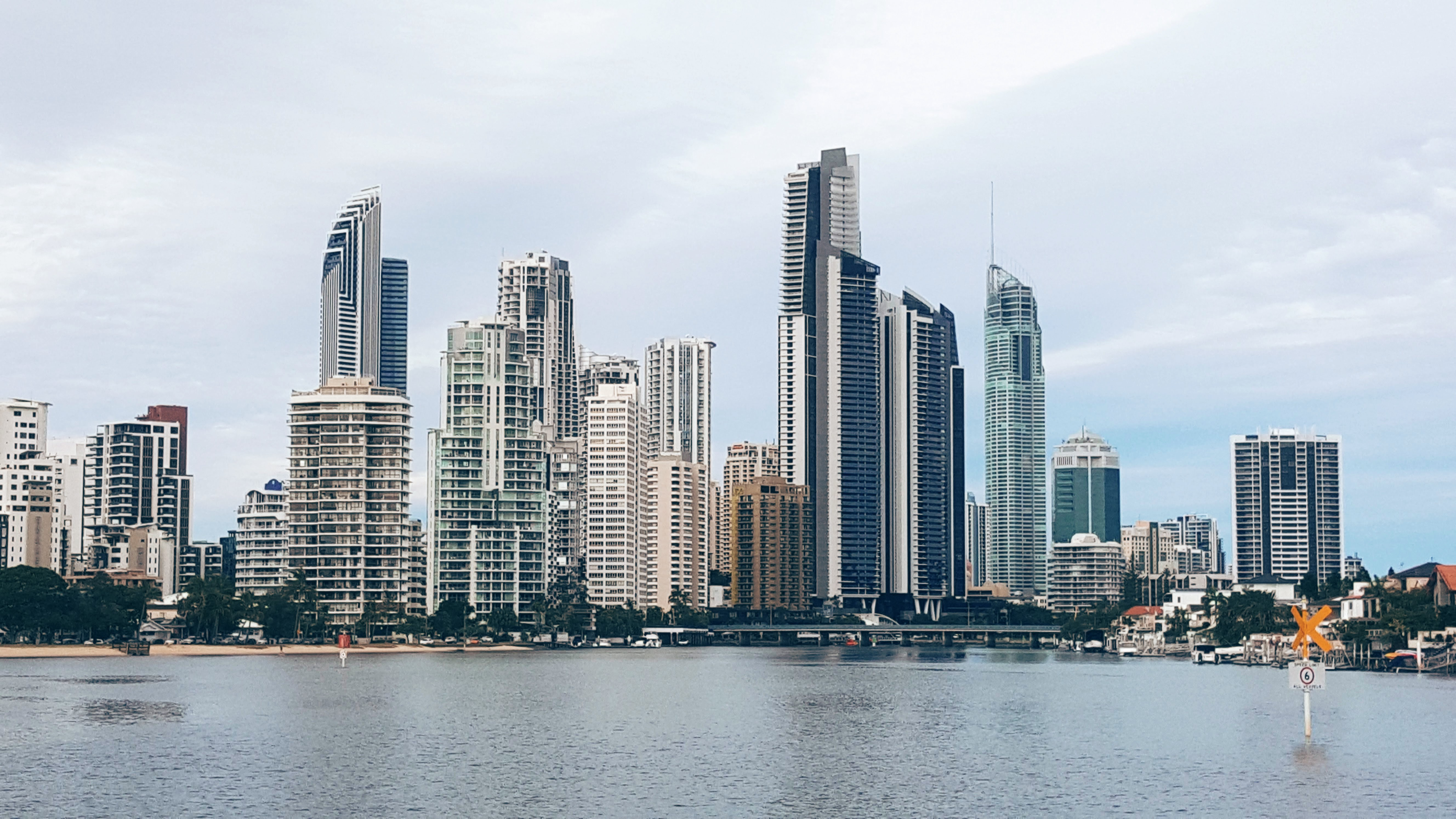 A_closer_view_of_the_GoldCoast_skyscrapers